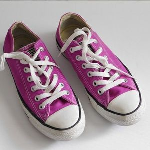 CONVERSE All Star Chuck Taylor Low Tops - Purple